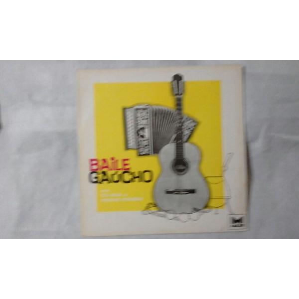 BAILE  GAUCHO  COM TIO  BILIA E VIRGILIO PINHEIRO